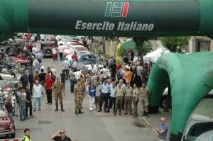 esercito raduno auto