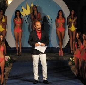 foto miss con presentatore Gaetano Gaudiero