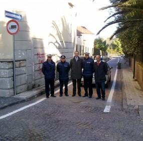 al centro il sindaco, alla sua sinistra il comandante accardo, a destra l'assessore De Siena (2)