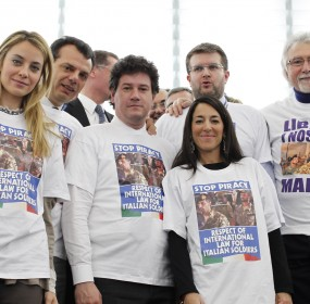 Italian PPE MEP's wearing T-shirt and asking for freedom for Italian soldiers