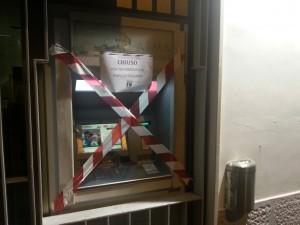 fornza nuova napoli - chiusura banche bancomat