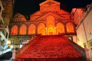 buomo-amalfi-in-rosso-25-novembre